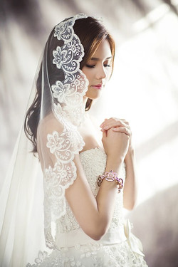 Weddingdresses1486256_640