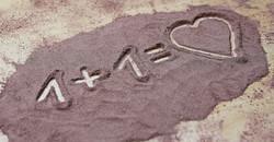 Love1731755_640