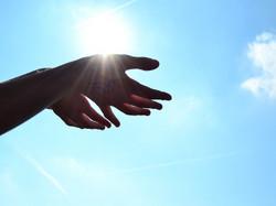 Hands1384735_640